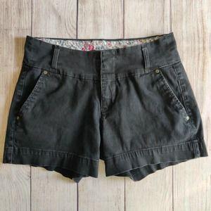 One 5 One black mid rise twill shorts sz 4
